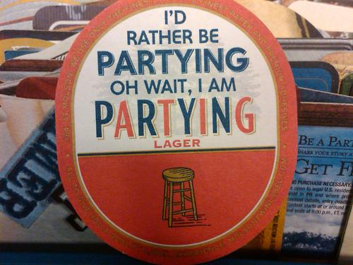 molson_label_partying